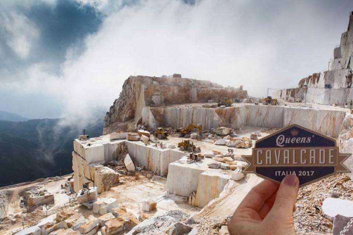 La Queens' Cavalcade alle Cave di marmo di Carrara